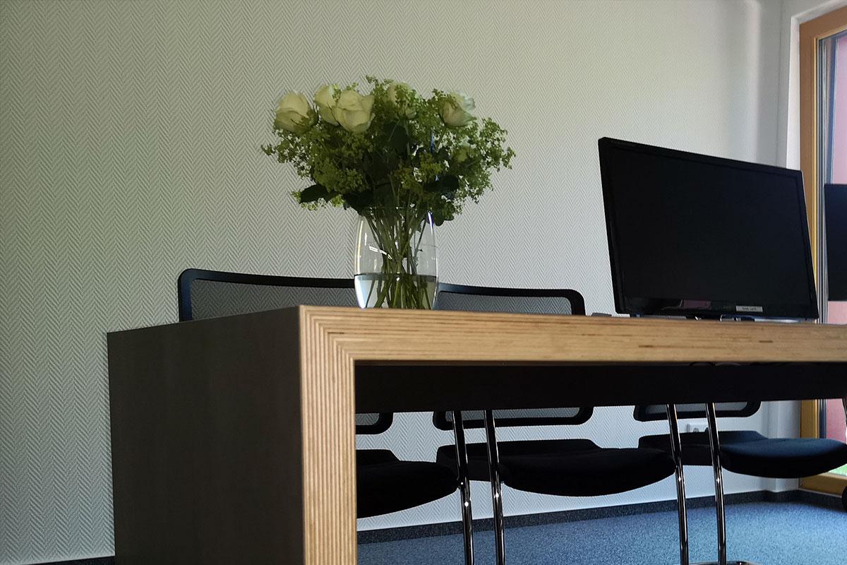 Massivholzmöbel Schreibtisch Büro